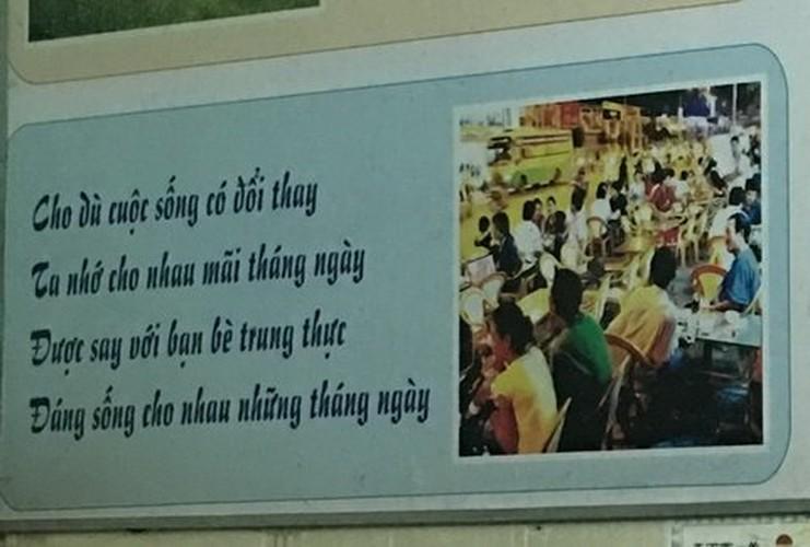 Dan mang soc voi bai tho trong toilet nam-Hinh-7