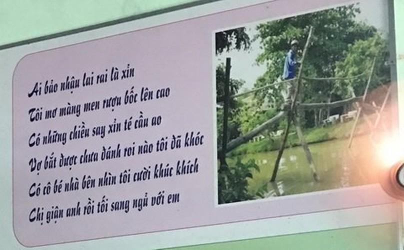 Dan mang soc voi bai tho trong toilet nam-Hinh-8