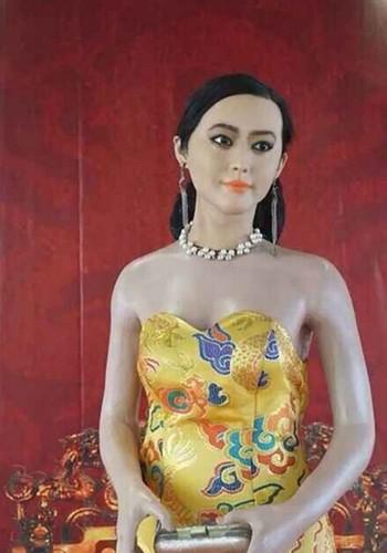 Tuong sap xau xi phat hoang cua sao hang A Trung Quoc-Hinh-4