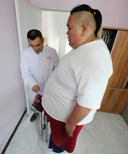 Hot boy tro thanh beo phi tang len 255kg vi that tinh-Hinh-4