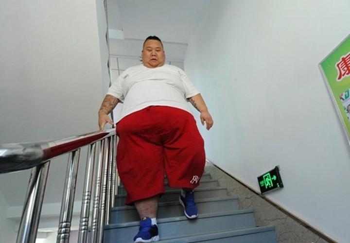 Hot boy tro thanh beo phi tang len 255kg vi that tinh-Hinh-5