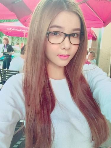 Nhan sac Ky Han bien doi bat ngo nhung thang dau thai ky