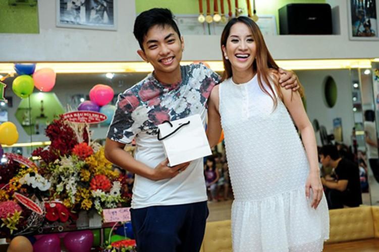 Cuoc song doi lap cua Phan Hien-Khanh Thi va Vu Hoang Viet-Thuy Hoang
