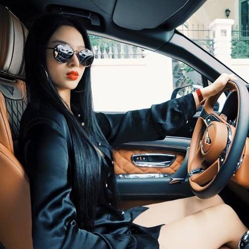 Cuoc song nhu dan choi Dubai cua hot girl Huyen Baby-Hinh-3