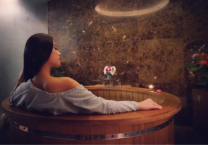 Cuoc song nhu dan choi Dubai cua hot girl Huyen Baby-Hinh-6