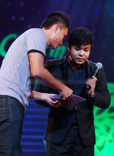 """Te ngua"" truoc qua gia tri fan Viet tang cho than tuong-Hinh-9"