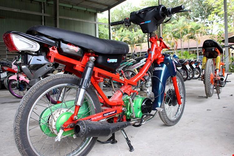 "Hoang hon voi hinh thu ""quai di"" phuong tien dua xe trai phep-Hinh-5"