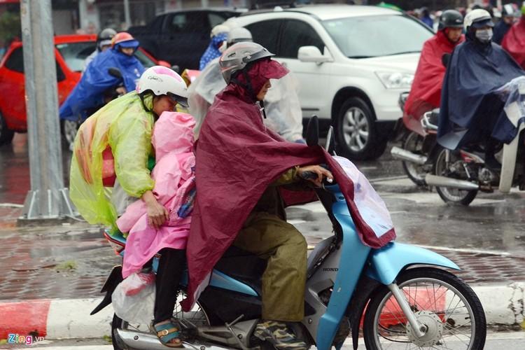 Canh khon kho trong mua ret tren duong pho Ha Noi-Hinh-10