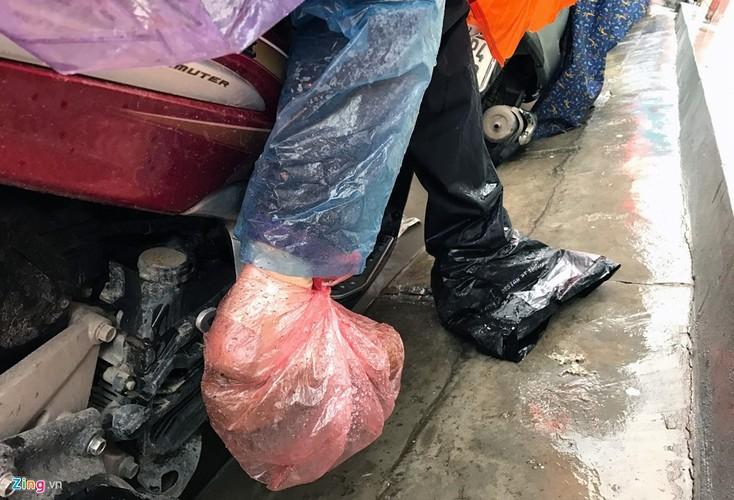 Canh khon kho trong mua ret tren duong pho Ha Noi-Hinh-11