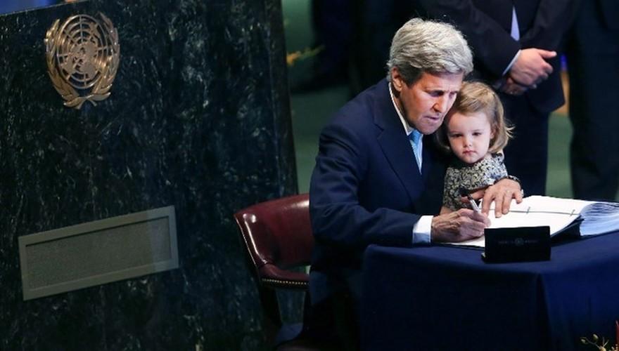 Nhin lai su nghiep cua Ngoai truong My John Kerry-Hinh-14