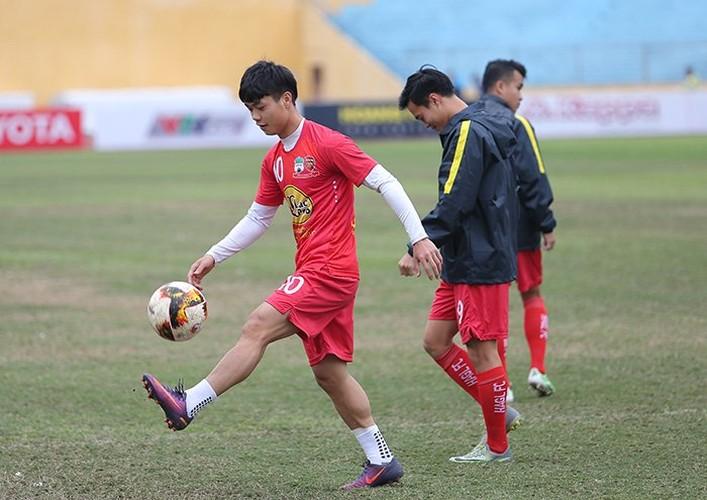 """Fan nu Thu do """"ket"""" Van Toan, ngo lo Cong Phuong"""