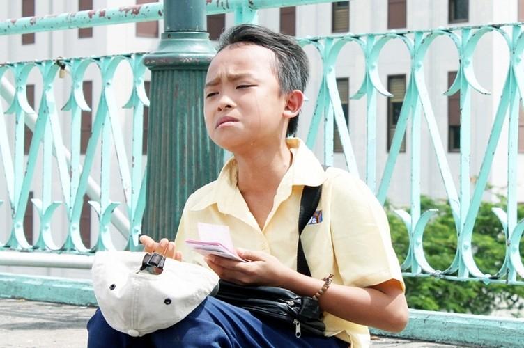 Phi Nhung ganh hang rong, Ho Van Cuong ban ve so trong MV-Hinh-6