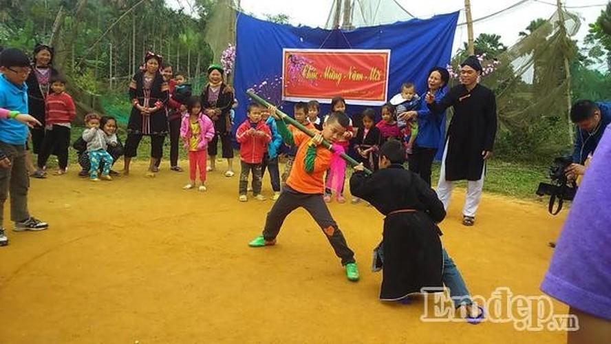Doc dao Tet nguoi Dao o Yen Bai-Hinh-4