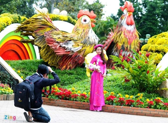 """Anh: Linh vat Tet """"mai am hanh phuc"""" o Quang Ngai-Hinh-6"""