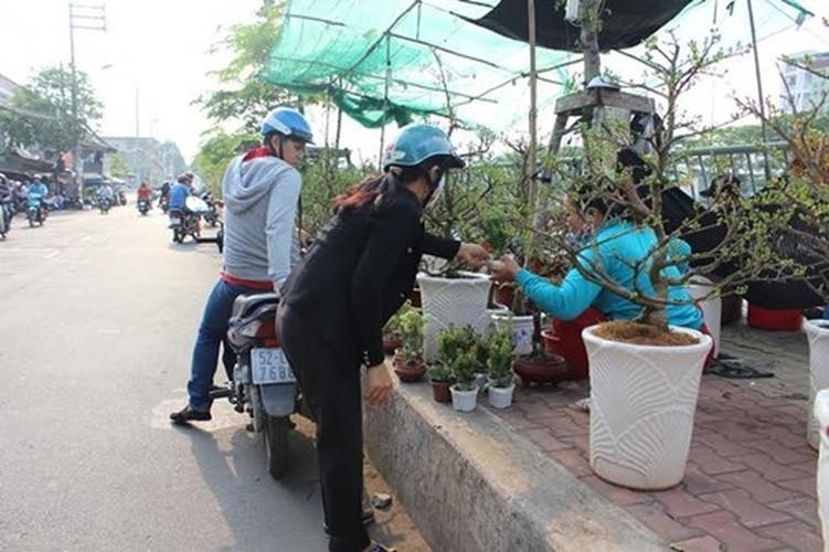 Diu hiu cho hoa Tet tren song lau doi nhat Sai Gon-Hinh-5