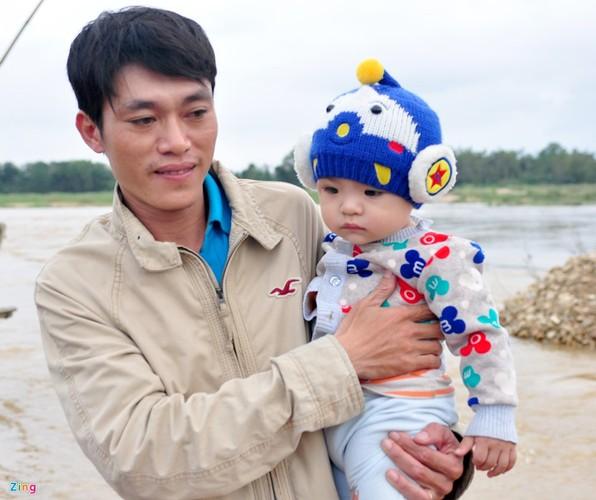 Lu bat thuong giap Tet, dan Quang Ngai khon don-Hinh-9