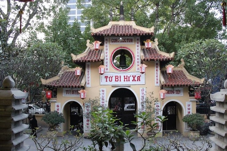 Nhung den chua linh thieng de cau may dip dau nam o Ha Noi-Hinh-7