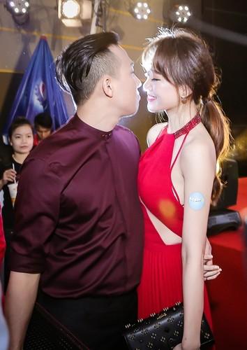 Do mat voi nhung pha hon nhau cua Tran Thanh - Hari Won-Hinh-9