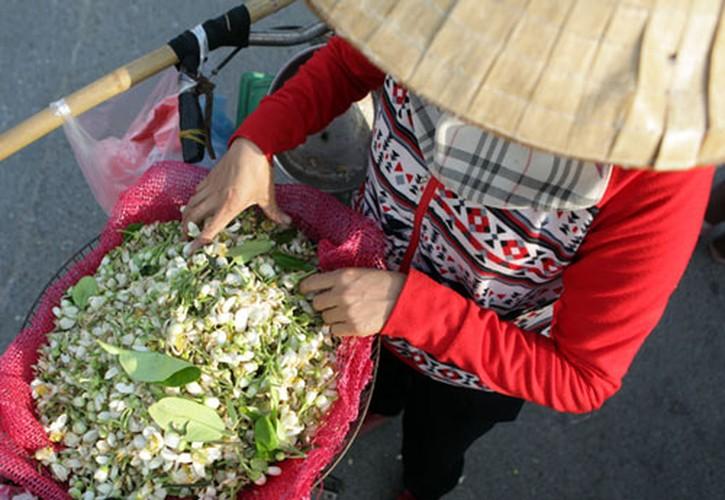 Anh: Mua hoa buoi diu dang xuong pho-Hinh-11