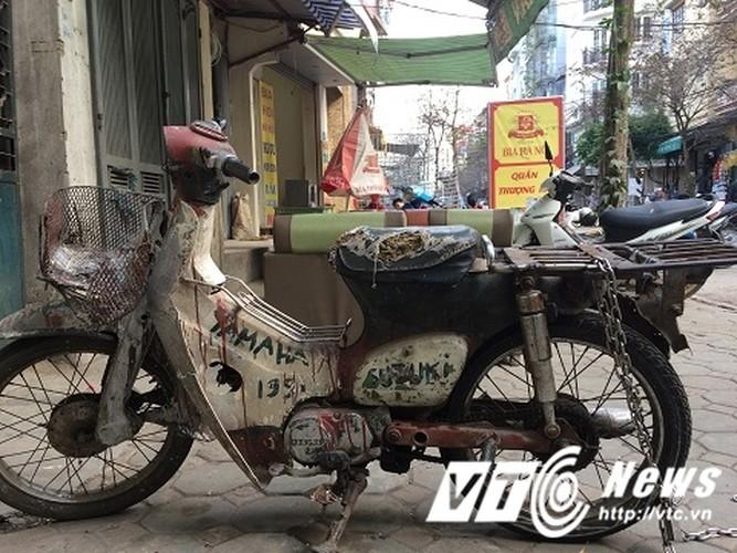 "Xe may ""qua dat"" tung hoanh pho Thu do-Hinh-2"