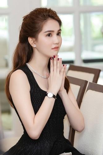 """Hau"" chia tay Hoang Kieu, Ngoc Trinh phat ngon toan...triet ly-Hinh-4"