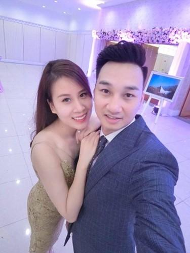 Nhung khoanh khac tinh tu cua MC Thanh Trung voi vo sap cuoi-Hinh-4