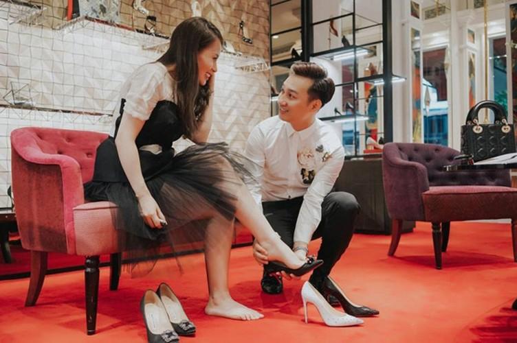 Nhung khoanh khac tinh tu cua MC Thanh Trung voi vo sap cuoi-Hinh-9