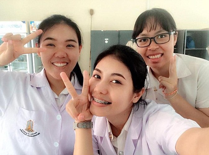 """Hai hung dung nhan thoi chua """"dap di lam lai"""" cua Hoa hau Thai-Hinh-5"""