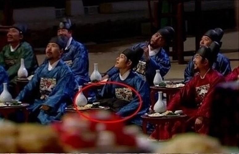 "Khong nhin duoc cuoi truoc loat ""san"" ngo ngan cua phim co trang-Hinh-2"