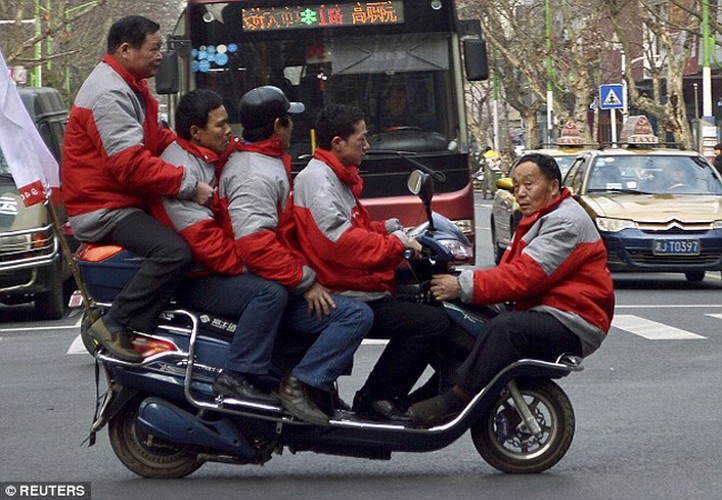 Hoang mang voi cac pha tham gia giao thong khong tuong-Hinh-11