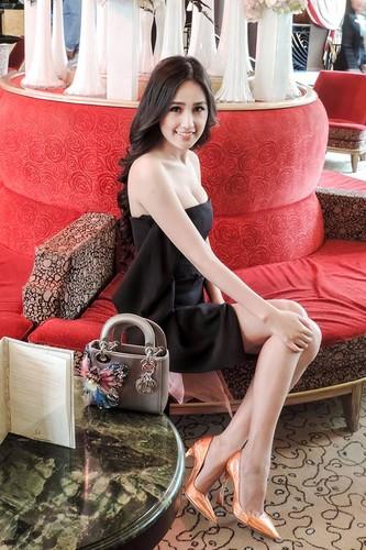 Nhung bo canh cua Mai Phuong Thuy khien fan