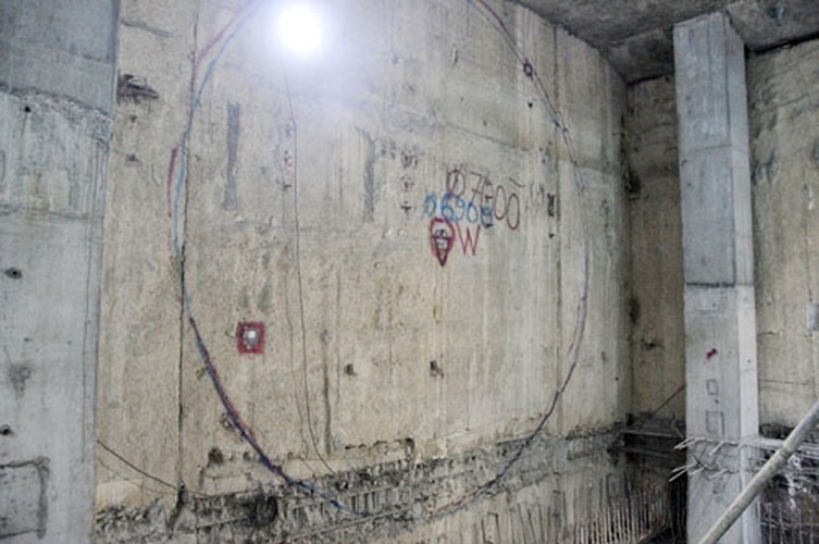 "Can canh ""quai vat"" sap xuyen long dat dao ham Metro-Hinh-10"