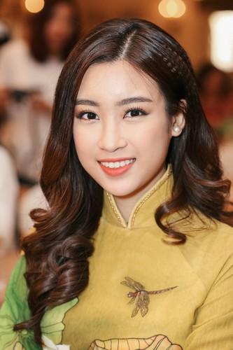 Hoa hau My Linh dep ngo ngang du chi dien ao dai gian di-Hinh-3