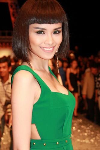Nhan sac khong nhan ra cua Ha Ho - Ha Vi khi de mai ngo-Hinh-5