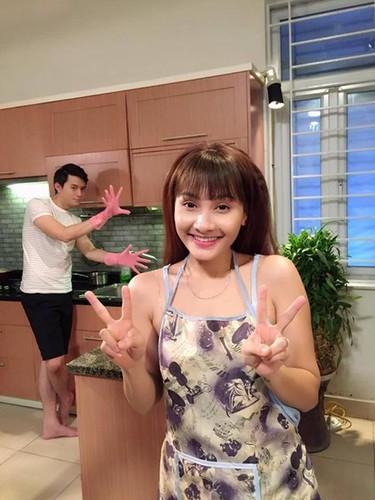 "Nhung hinh anh ""Song chung voi me chong"" khong thay tren phim-Hinh-3"