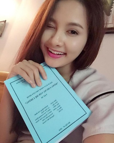 "Nhung hinh anh ""Song chung voi me chong"" khong thay tren phim-Hinh-5"