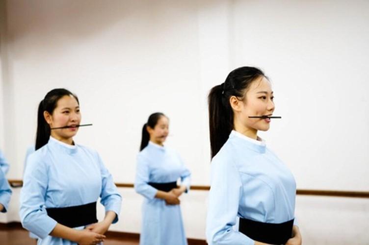 """Sai quai ham"", nhin dau mo thanh tiep vien hang khong-Hinh-8"