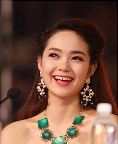 Chi sua bo phan nay Minh Hang va loat sao se xinh lung linh-Hinh-2