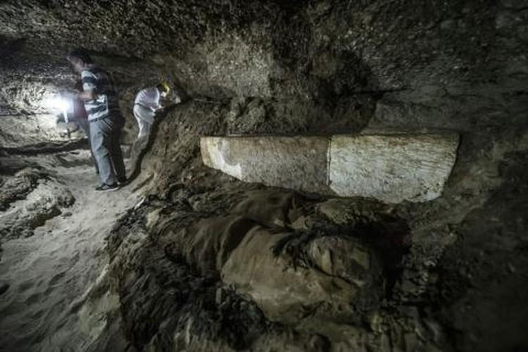 Phat hien xac uop con nguyen trong ham mo co Ai Cap-Hinh-3