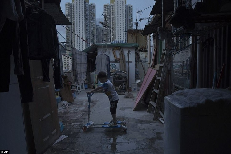 "Am anh ""can ho quan tai"" trong khu o chuot Hong Kong-Hinh-6"