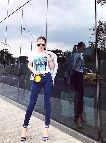 Sao Viet khoe chan dai voi mot quan jeans skinny-Hinh-4