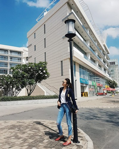 Sao Viet khoe chan dai voi mot quan jeans skinny-Hinh-6