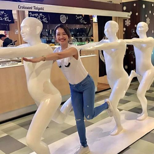 Sao Viet khoe chan dai voi mot quan jeans skinny-Hinh-7
