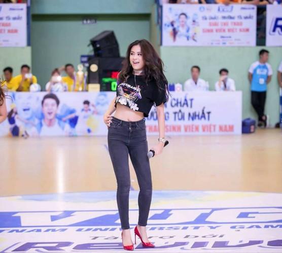 Sao Viet khoe chan dai voi mot quan jeans skinny-Hinh-8