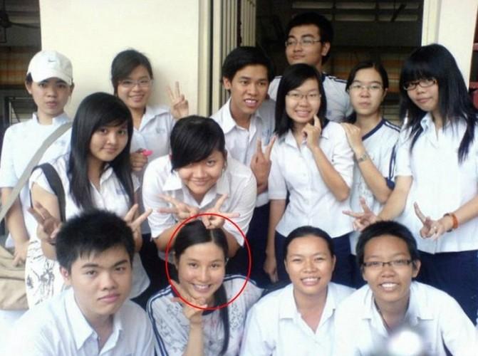 Anh kho quen thuo sao Viet cap sach den truong-Hinh-14