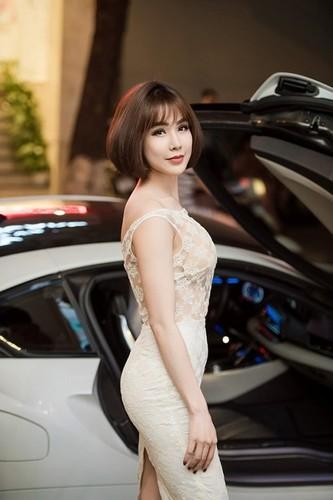 So huu sieu xe 70 ty, Ngoc Duyen giau hon Nha Ky?-Hinh-7