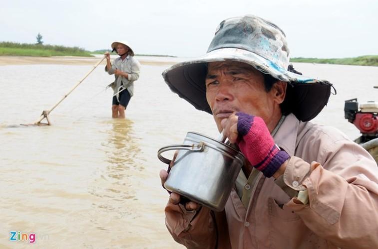 Gian nan nghe cao don nhui hen duoi day song Tra Khuc-Hinh-9