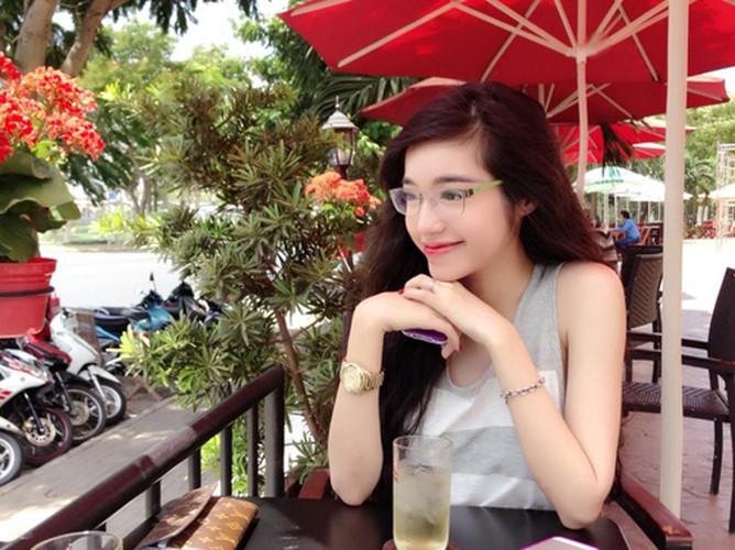 7 hot girl Viet gay sot mang quoc te-Hinh-10