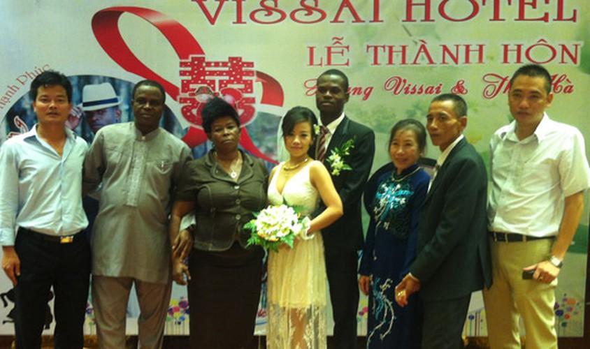 Cau thu ngoai ỏ V.league dua nhau lam re Viet-Hinh-4