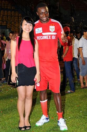 Cau thu ngoai ỏ V.league dua nhau lam re Viet-Hinh-6